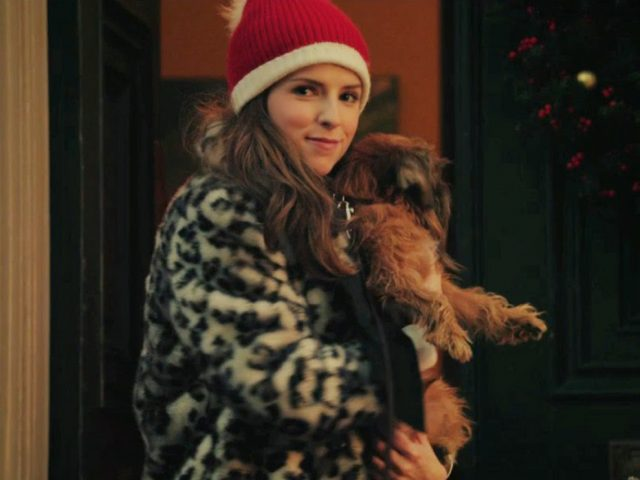Anna Kendrick, the new Santa Claus?